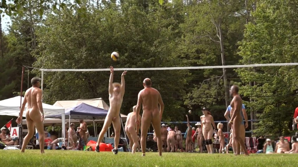 L'attribut alt de cette image est vide, son nom de fichier est GTA-Naturist-Volleyball-Tournament-2019_HD_WEB_2.mp4_20210224_104158.442-1024x576.jpg.